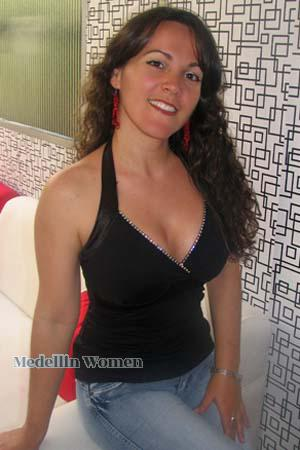 132465 - Angelica Maria Age: 45 - Colombia